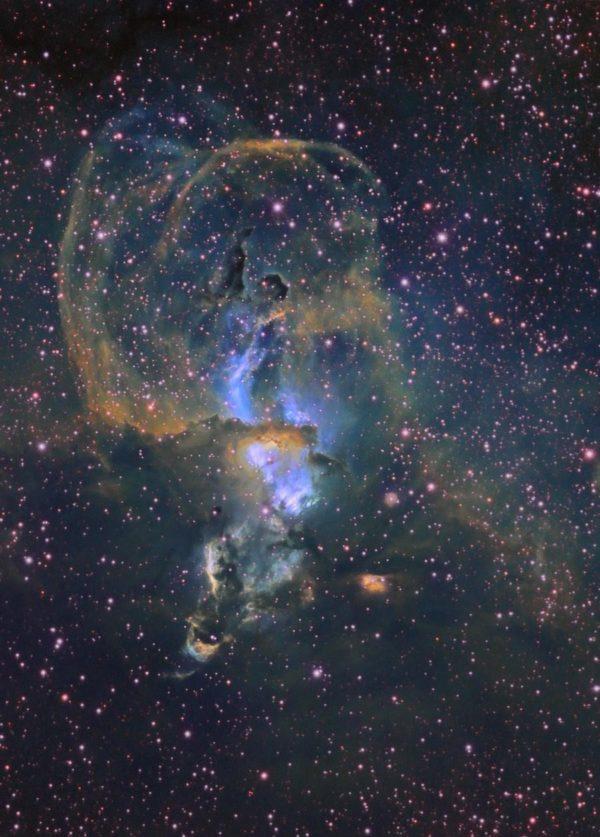 Astronomy Alive - QHY8L 6.0 MegaPixel Colour CCD Camera