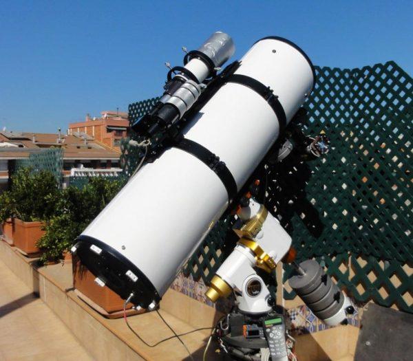 Astronomy Alive - Orion Optics UK VX12 Newtonian Reflecting telescope